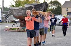 Eighth graders at the Essex Shipbuilding Museum