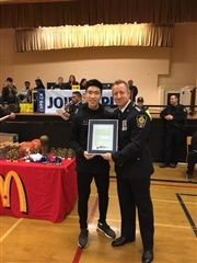 Challen Wu receives a basketball scholarship