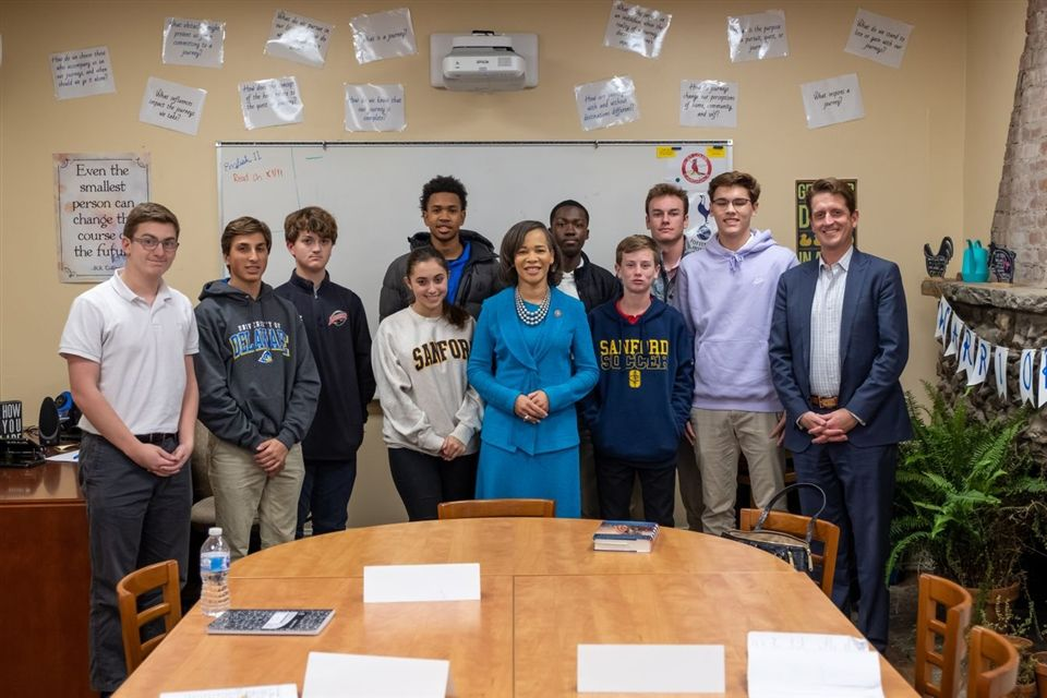 United States Representative Lisa Blunt-Rochester with the The Art of Leadership and Public Speaking class.