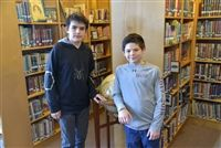 Bee winner Matthew Volfson, left, and runner-up Jay Caponigro