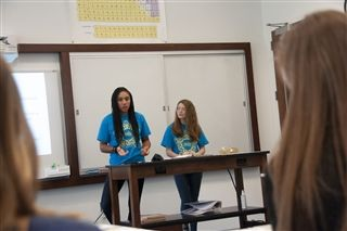 Allison Pierce '21 and Lydia Danas '20 lead classmates in a workshop.