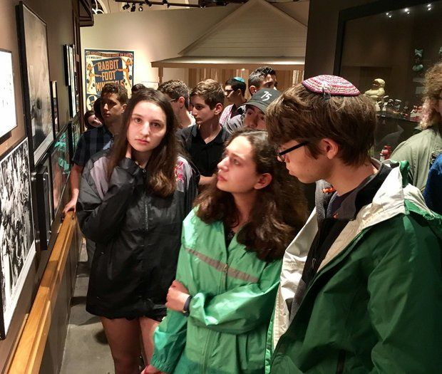 Students visit Alabama lynching site to offer Jewish prayers at memorial