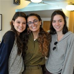 Students met up with Lior Peretz '16, who is now serving in the IDF