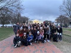 Eighth graders in front of the White House.