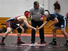 Hayden Sikora '20 Advances to State Wrestling Meet