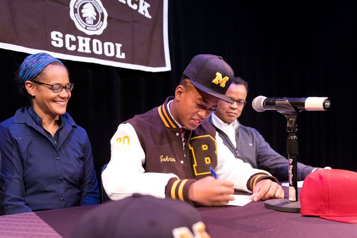 Cornelius Johnson Signs National Letter of Intent