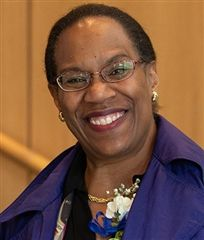 For the past 25 years, Linda Powell Solomon '77 has supported the efforts of minority students working toward a bachelor's degree in science, technology, engineering, and mathematics through the National Science Foundation's Greater Philadelphia Region Louis Stokes Alliance for Minority Participation program.