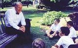 Eugene McDermott Headmaster Arnie Holtberg Chats with Lower School boys