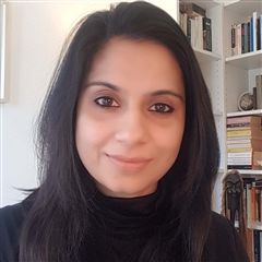 Chandaria Research Centre (CRC) researcher Izza Tahir