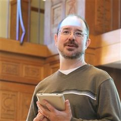 John Scalzi '87 on campus in Jackson Library.