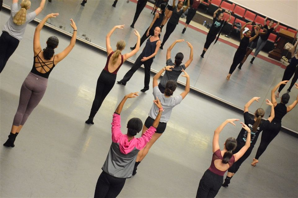Choreographer Melissa Rector visited with our #GrierGirls in the pre-professional dance program.