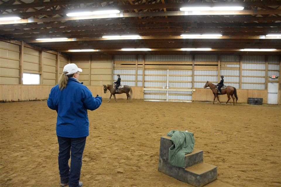 Mary Meneely of Auburn University gives a western riding clinic at Grier.