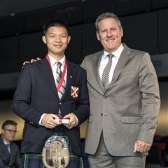 Steven Du was awarded the Chairman's Gold Medal for highest standing in grade 11.