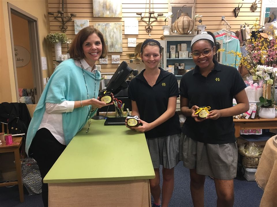 Meggy Muller '18 and Kaia Starks '18 pitched Hutch Honey to Bess Bartusch in the Buzz Shop.