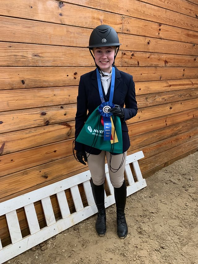 M. Essex '23 placed 1st in the Varsity Intermediate Equitation Over Fences individual class