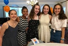 Eliza Cain '86's daughter (second from right) with fellow GSLP 2018 participants