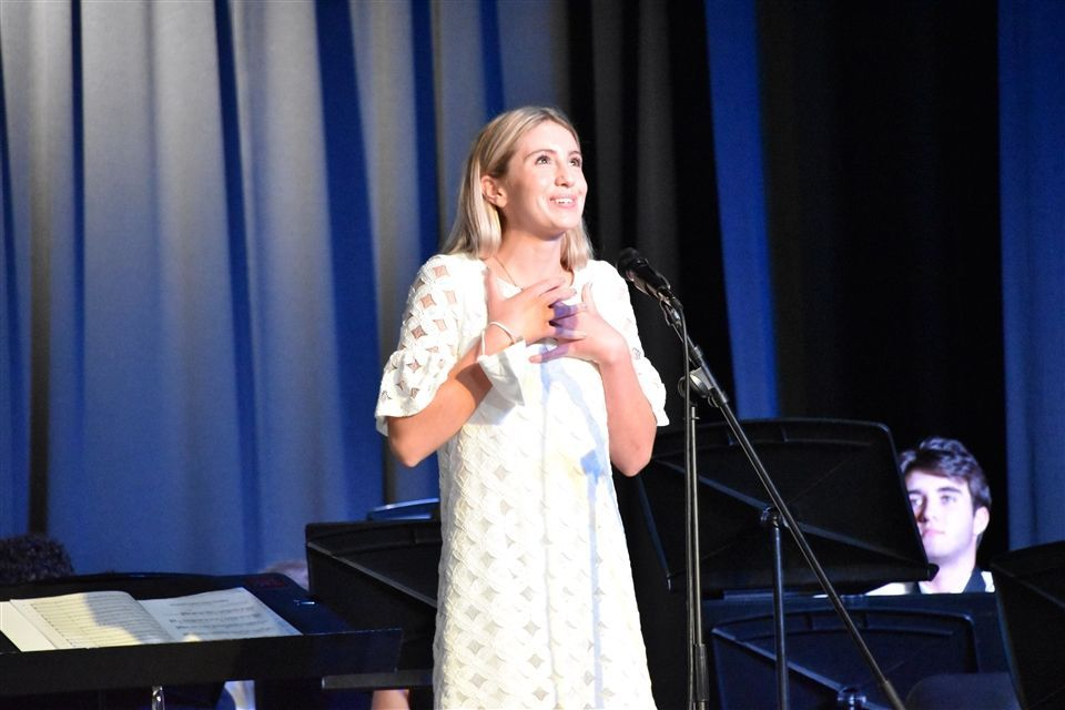 Arabella L. '21 Awarded Top Music Scholarship