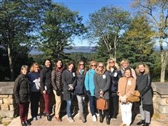 St. Luke's parents of alumni visiting Kykuit, the Rockefeller estate in the Hudson River Valley