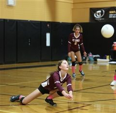 St. Luke's Varsity Volleyball beat Hamden Hall 3-0 on Thursday, October 10