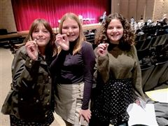 St. Luke's Middle School debaters win the Golden Gavel pin