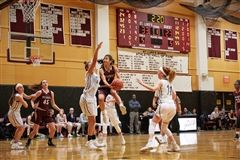 St. Luke's Girls Varsity Basketball point guard Caroline Lau '22 was featured on ESPN's Top 10 plays