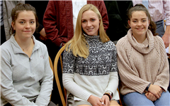 New Zealand exchange students St. Luke's Harper Boege '20 (center)