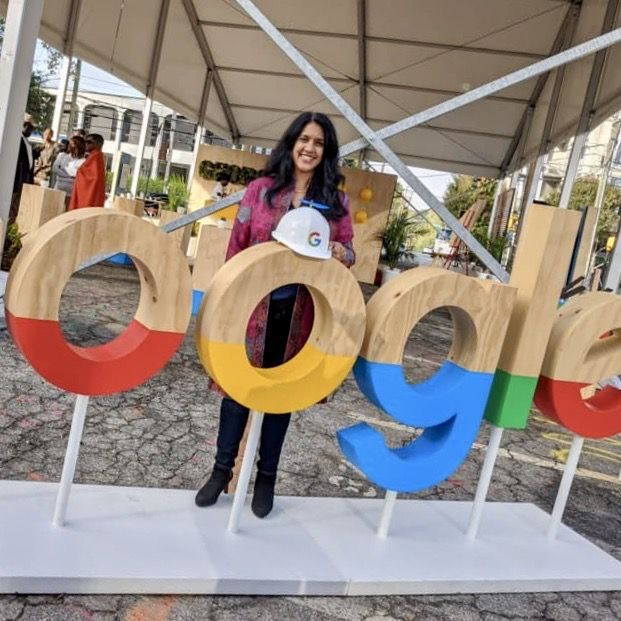 Walker alum Hetal Joshi Gordon (Class of '93) helps announce Google's commitment to Atlanta.